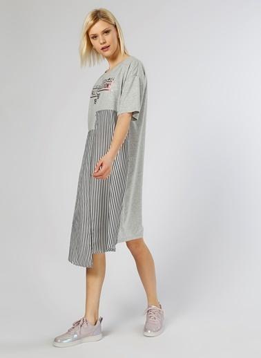 T-Box Kısa Kollu Çizgili Elbise Gri